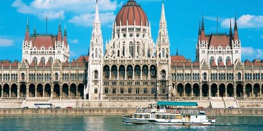 Węgry – Budapeszt i zakole Dunaju